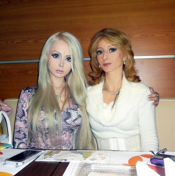 У одесской Барби такая же кукольная мама