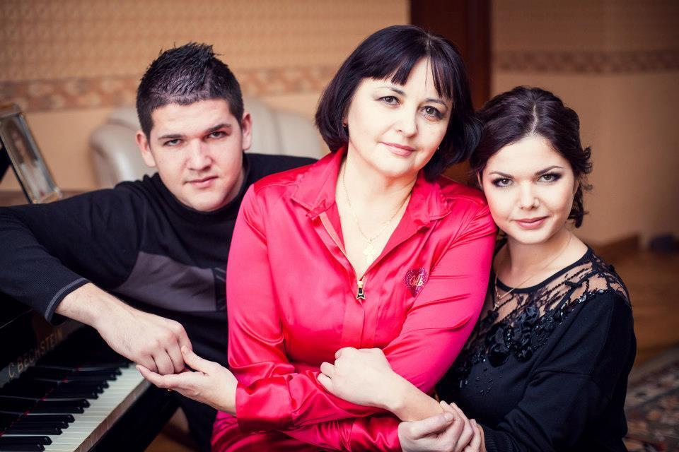 Отвергнутая жена нардепа Куницына устроила публичный скандал