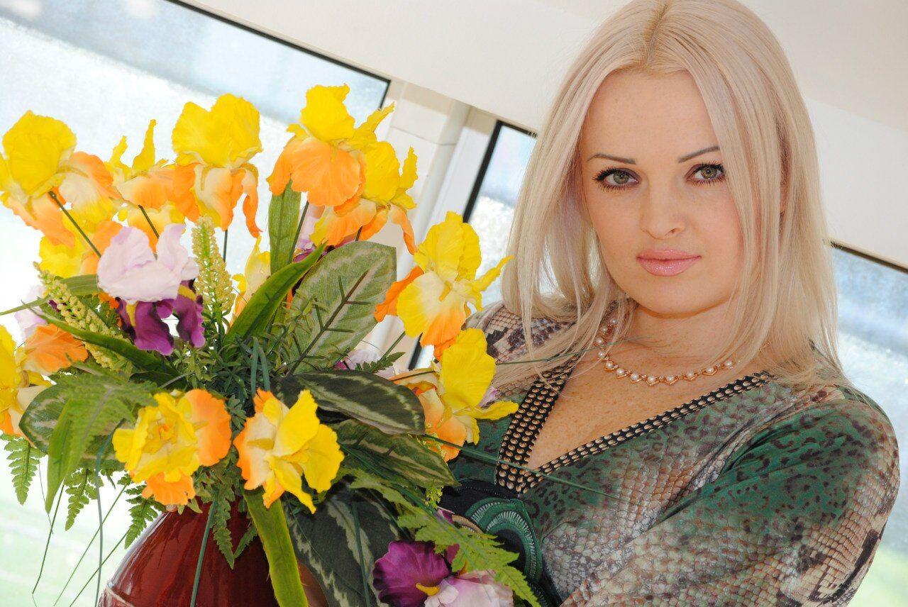 Новая жена экс-премьера Крыма дала первое интервью