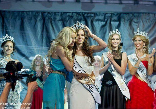 """Муж """"Миссис мира-2013"""" работает на украинской таможне"""