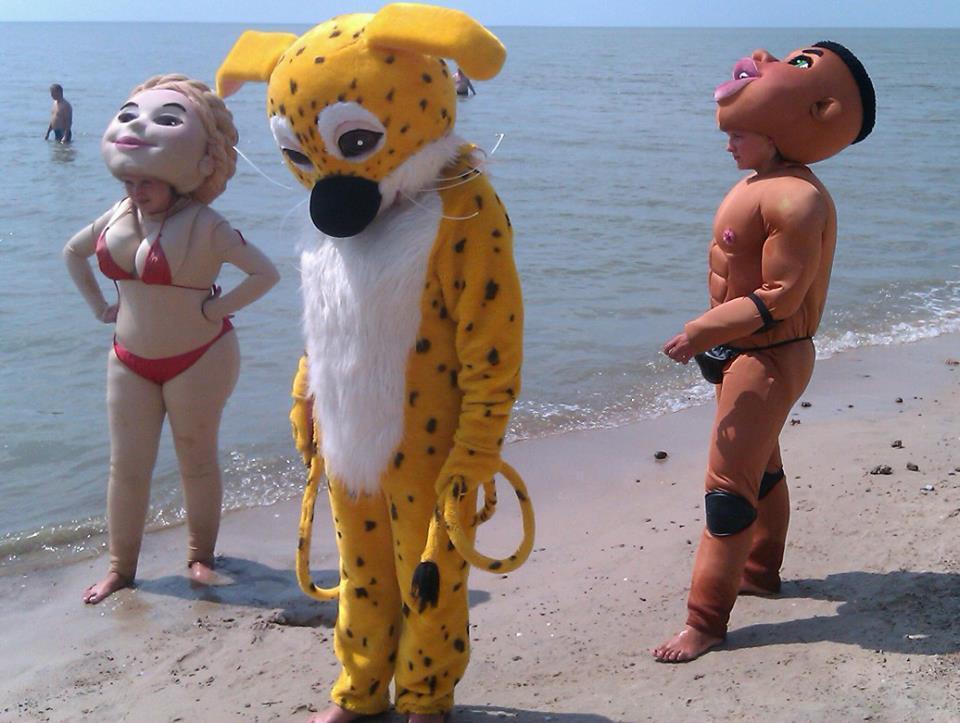 На Азовському морі можна сфотографуватися з напівголою Тимошенко