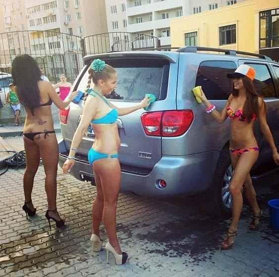 В Одессе появилась эротическая автомойка