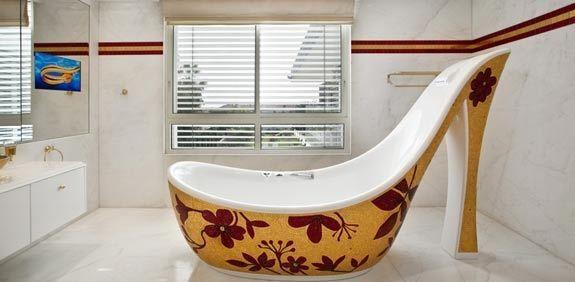 Москвич продает виллу в Израиле с ванными и раковинами из чистого золота