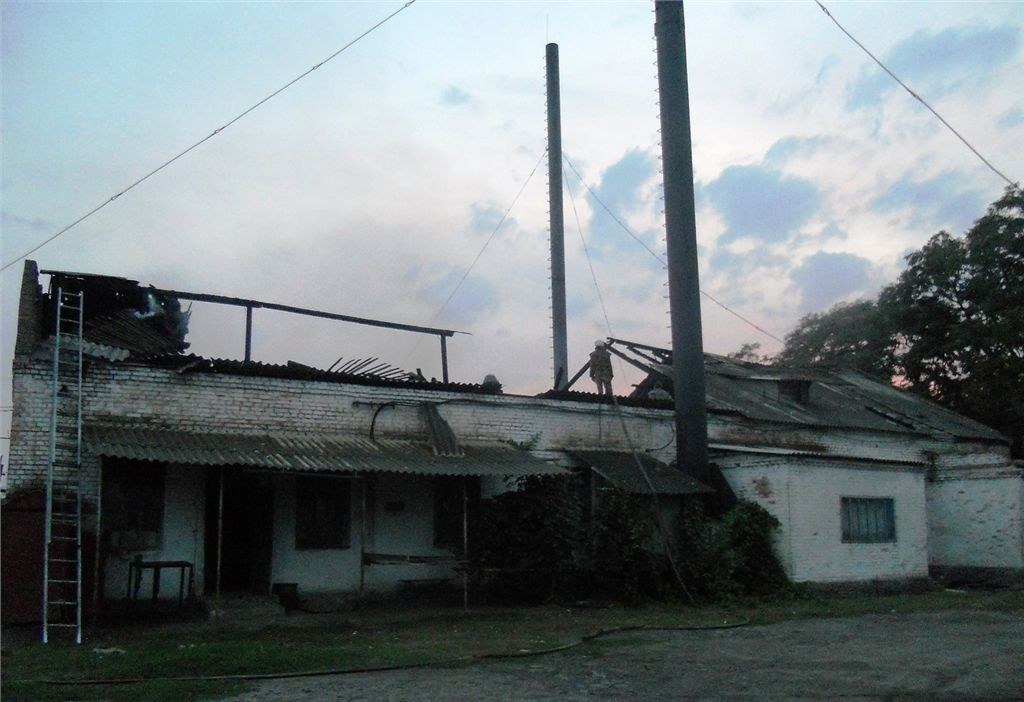 На Запоріжжі блискавка підпалила психлікарню