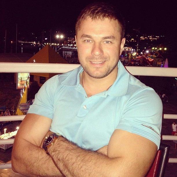 Нардеп Мочков показав накачане тіло