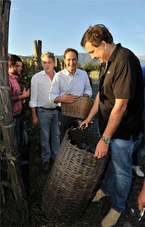 Саакашвілі в обнімку з Ющенком приготував президентське вино