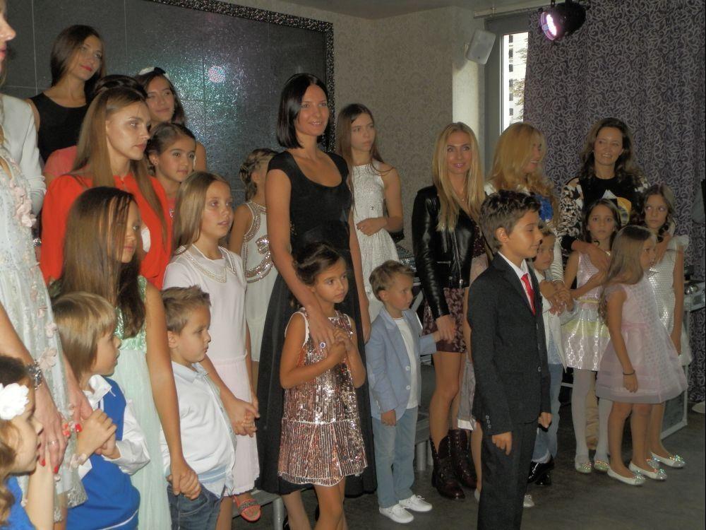 Колишня дружина Шуфрича і дружина Тедеєва сходили на модний показ