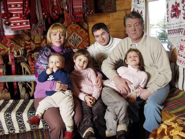 Ющенко змушував невістку копати город і садити часник