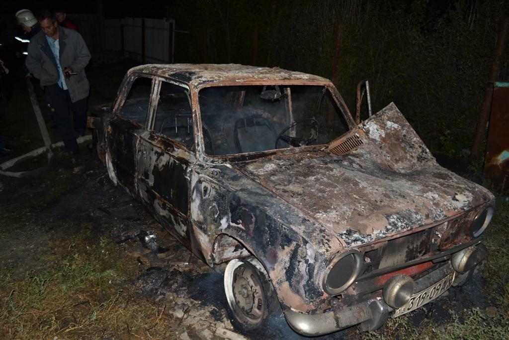 """На Луганщині дотла спалили авто активіста """"Дорожнього контролю"""""""
