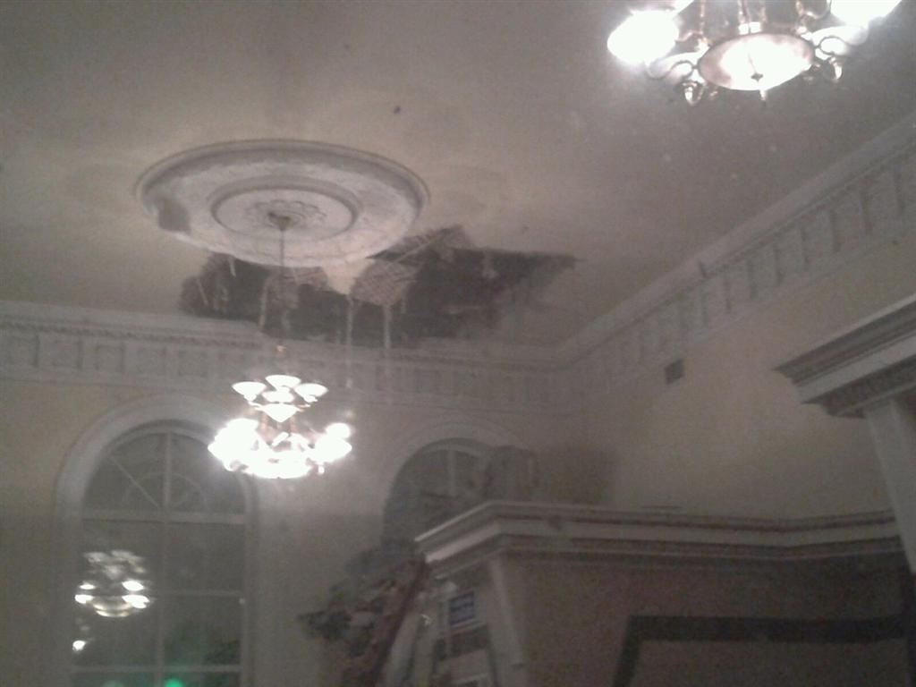 У Чернігівській області в приміщенні вокзалу звалилася стеля
