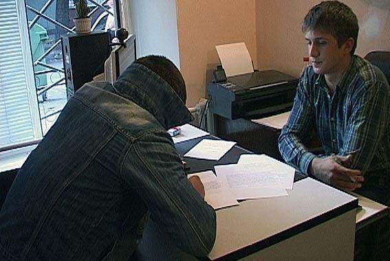 В Одесі мопедист пограбував 12 водіїв авто