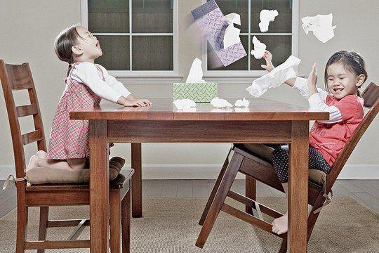 Папа и его дочурки: история взросления в самых креативных фото
