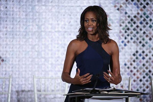 Мишель Обама вышла в свет в платье от украинского дизайнера