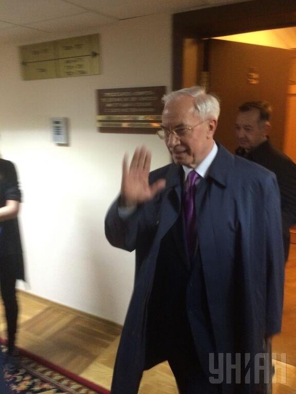 Появилось фото Азарова на закрытом заседании в Госдуме России
