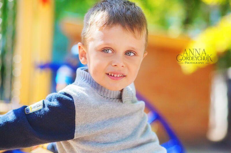 Ребенок, который до трех лет никому не смотрел в глаза