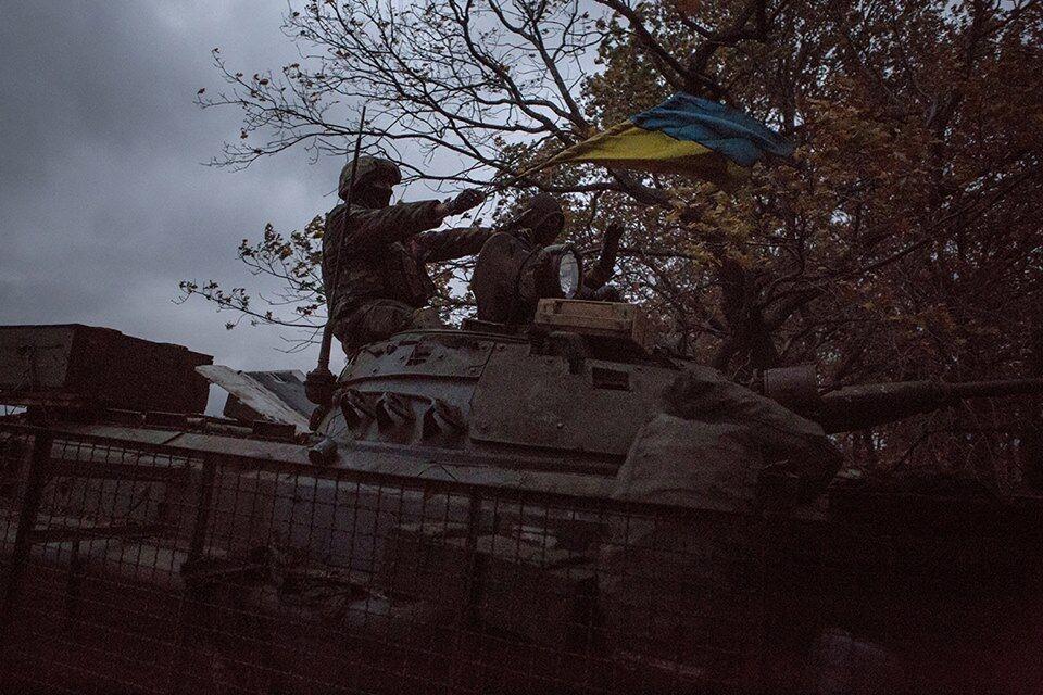 Волонтер в фотографиях показал, в каких условиях выживают бойцы в зоне АТО