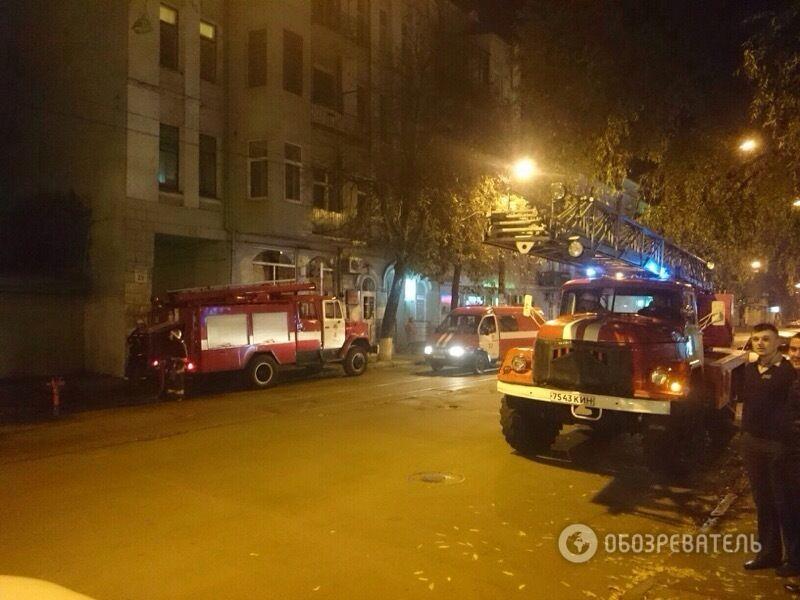"""В Киеве горел кинотеатр """"Жовтень"""", Кличко проведет оперативное совещание"""
