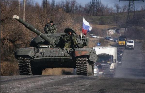 Опубликованы фото колонны российских танков возле Красного Луча