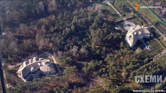 Журналісти з повітря зняли фортецю екс-міністра екології