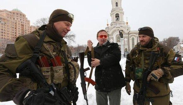 "Охлобыстин притащил из России террористу ""Мотороле"" бутылку, а его жене - шубу"