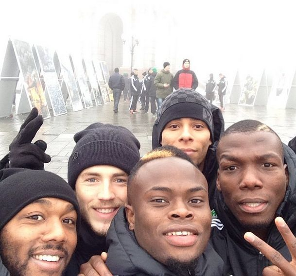 Французские футболисты посетили революционный Майдан: опубликовано фото и видео