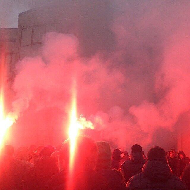 Ультрас подожгли Федерацию футбола Украины: опубликовано фото