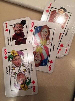 """Для Кремля напечатали целую фуру игральных карт с """"врагами российского народа"""": опубликовано фото"""