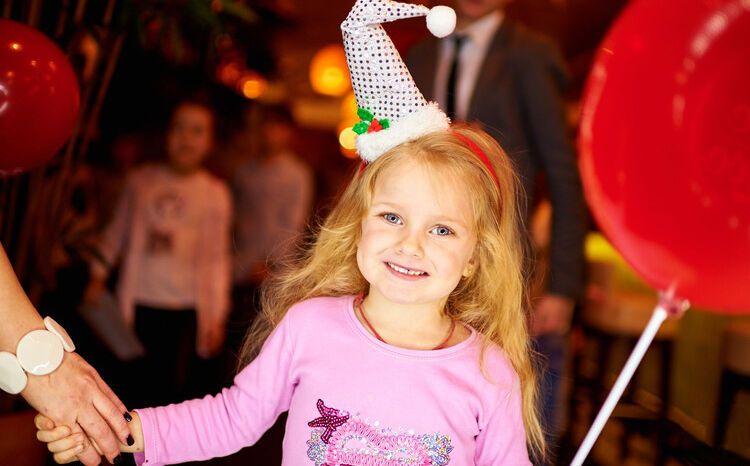 Айсина и Фролова устроили VIP-утренник для детей знаменитостей