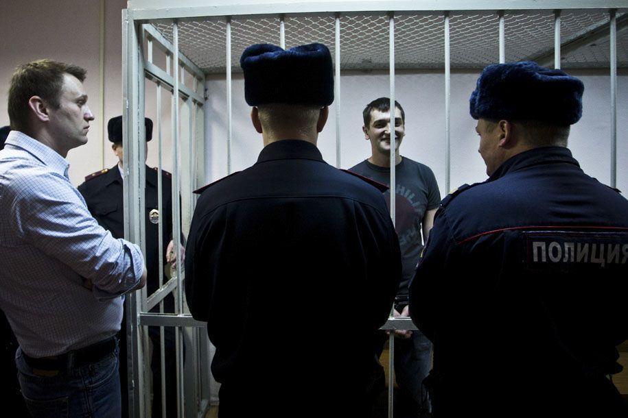 """Братья Навальные признаны виновными в мошенничестве: им вынесен """"самый подлый приговор"""""""