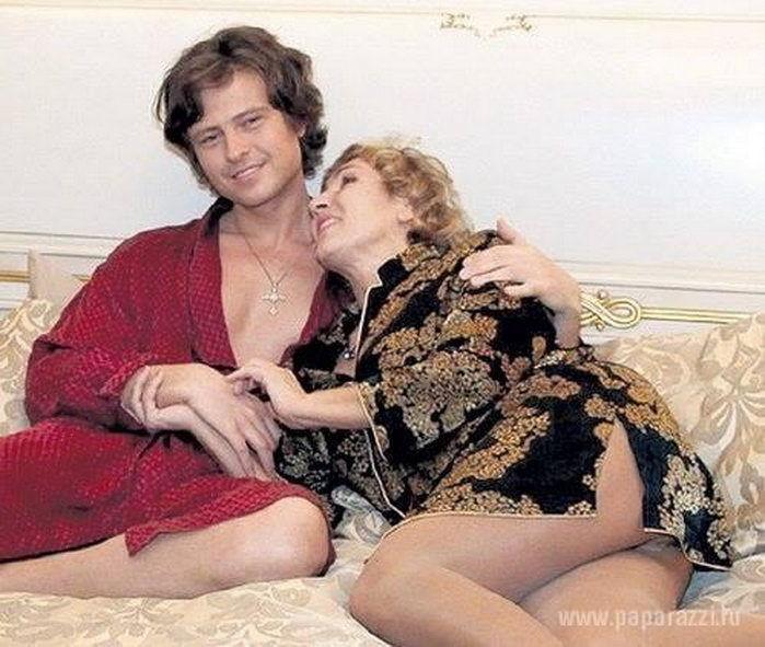 """Копенкина о разводе с Шаляпиным: то ему """"Мерсы"""" дарят за 3 млн, то он ждет ребенка!"""