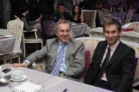 Син регіонала Журавського похвалився фоткою Януковича