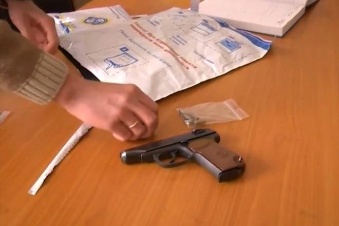 У Києві міліція затримала двох активістів із зброєю