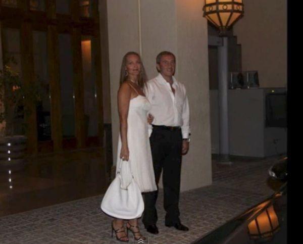 Черновецкий посвятил новой жене песню и клип