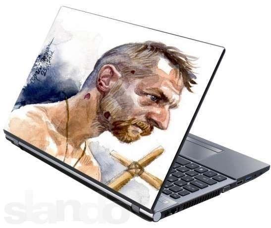 """У мережі продають наклейки для ноутбуків з побитим """"Беркутом"""" козаком"""