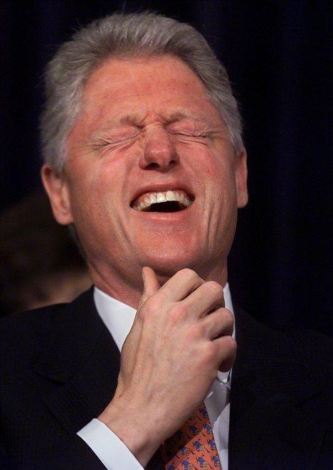 Скандал: у Клінтона цілий рік був роман з Елізабет Херлі