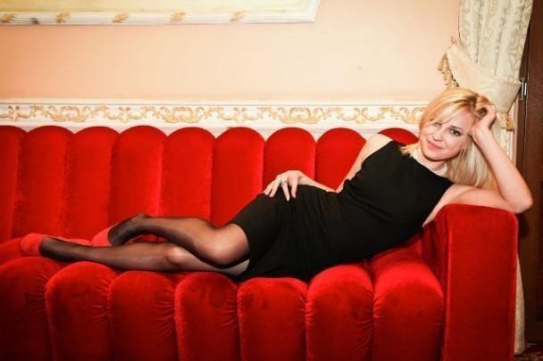 Нова прокурор Криму виклала в мережу фото своїх гарних ніг