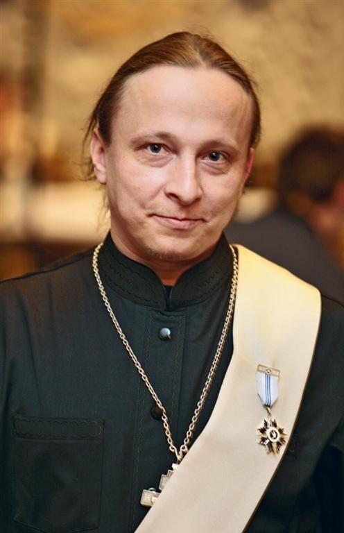 Охлобистін хоче з військовими загонами захищати церкви України