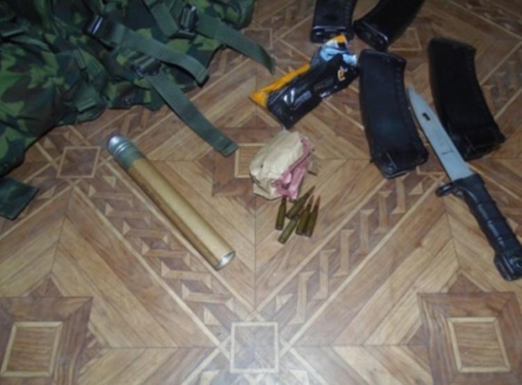 """Пограничники задержали на """"Чонгаре"""" неадекватного российского солдата с оружием"""