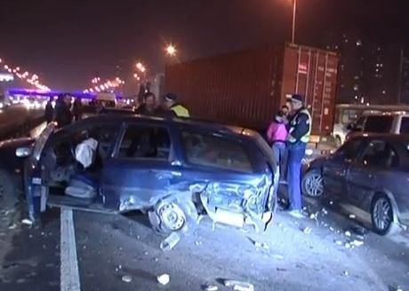 Масштабная авария в Киеве: пострадали восемь авто