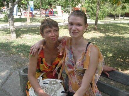 Жертва николаевского избиения Саша Попова отметила 21-летие и живет в новой квартире