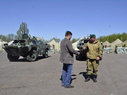 На Донетчине благотворитель подарил пограничникам военную технику
