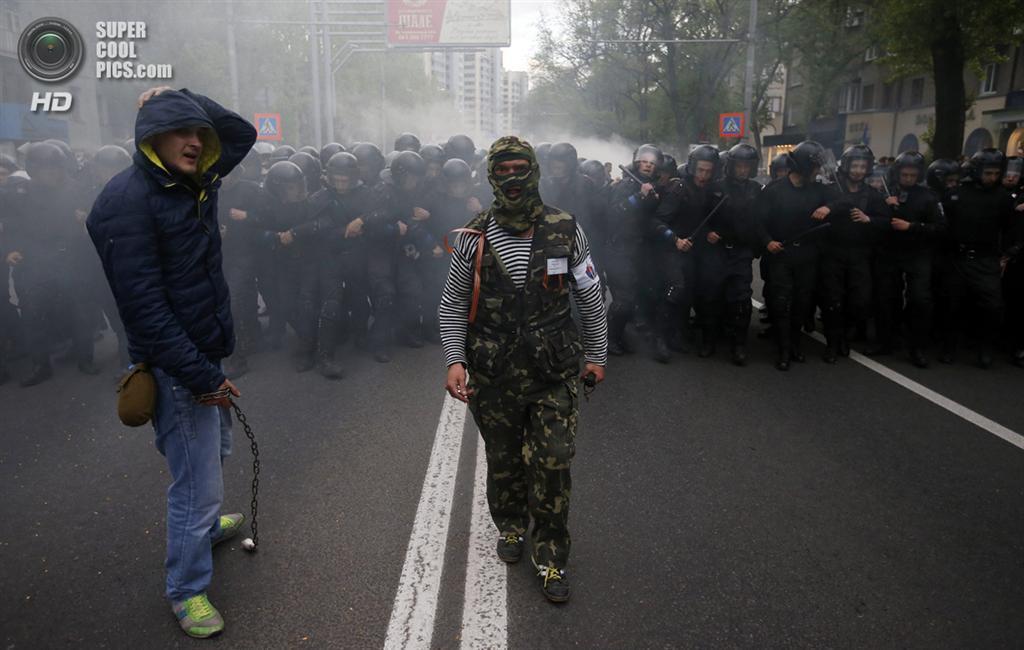 Побоище в Донецке: Проукраинское шествие закончилось конфликтом