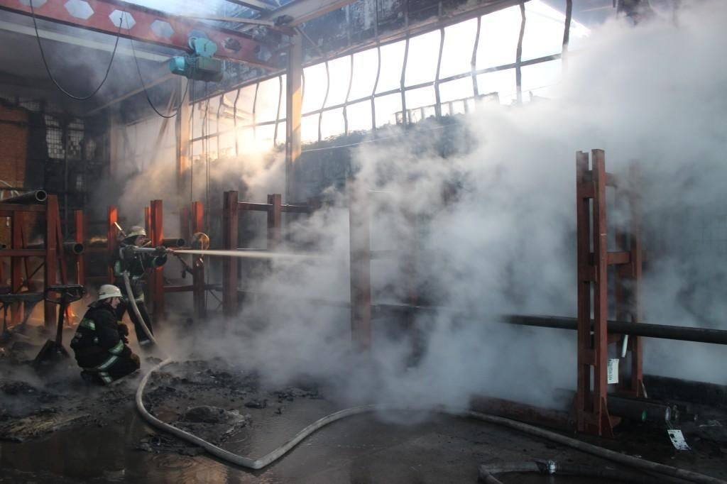 На Киевщине горел производственно-складской комплекс