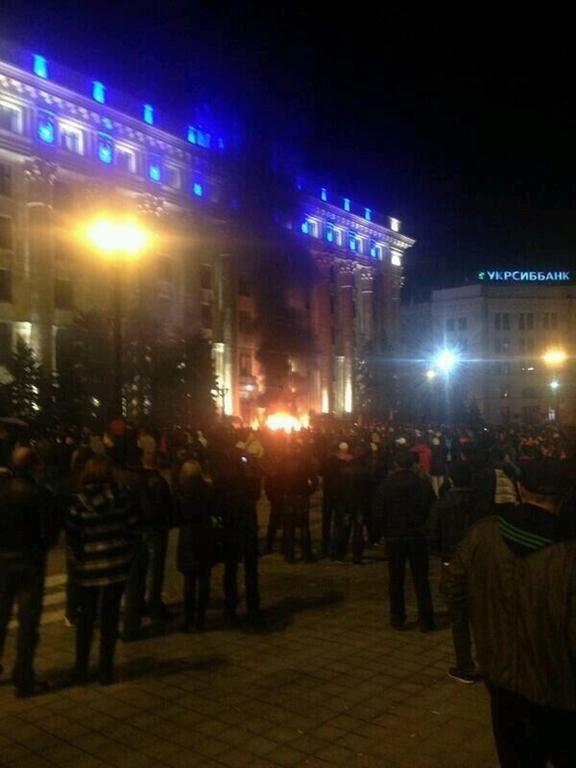 У Харкові сепаратисти підпалили будівлю ОДА