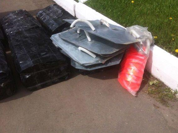 На Харківщині затримали киянина з партією касок і щитів