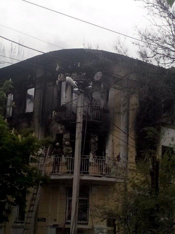 Опубликованы фотографии сгоревшего здания ГУВД и Мариупольского горсовета