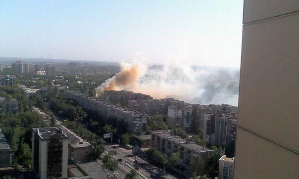 Жители Донецка приняли пожар в нежилом здании за штурм воинской части