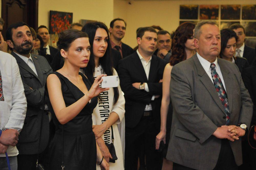 Гриценко и Богомолец вместе тусовались на открытии выставки про Майдан