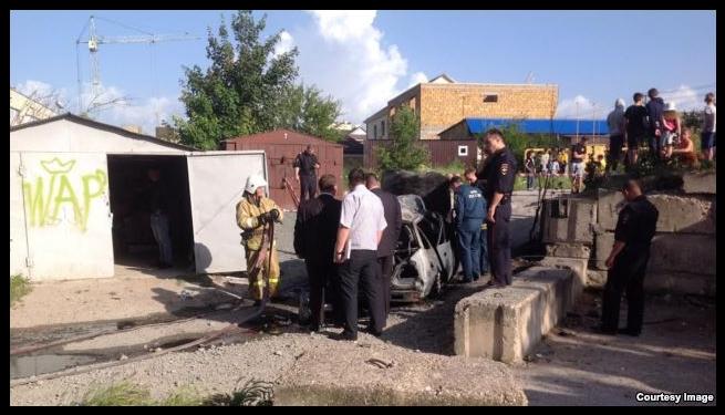 В Симферополе в жилом районе взорвался автомобиль. У хозяина сильные ожоги