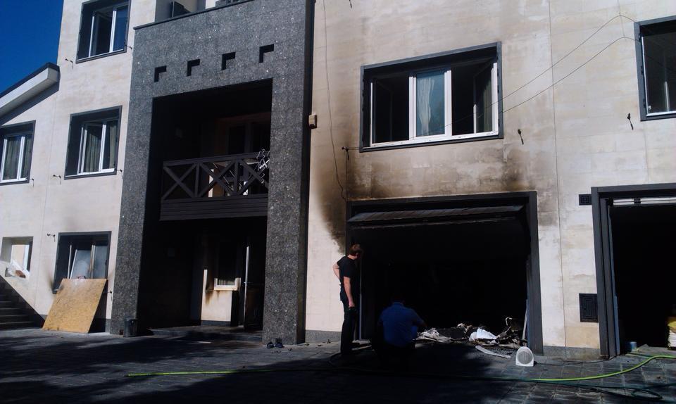 "Дом Царева забросали ""коктейлями Молотова"" и сожгли"